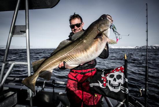 Guide Johan Mikkelsen with a cod on 28kg